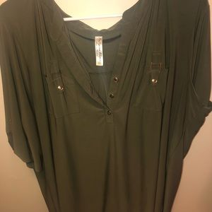 Cute top with gold buttons